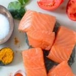Lebu pata diye Salmon Tottora (Salmon in Tomato Gravy)